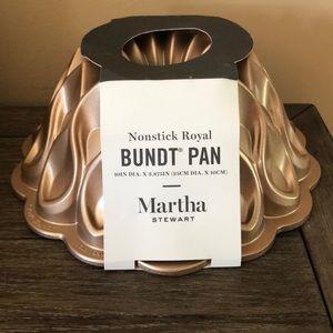 Martha Stewart Nordic Crown Bundt cake mold